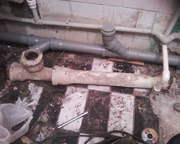 прокладка канализационных труб в квартире.